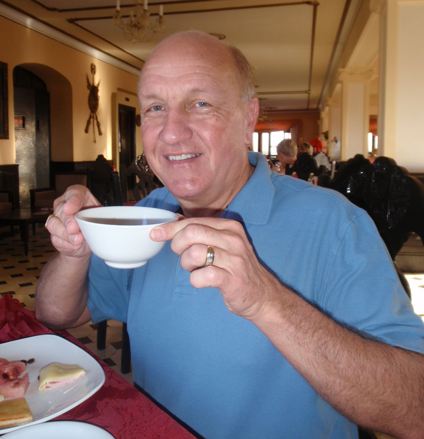 Drinking out of a cereal bowl! // Cuba