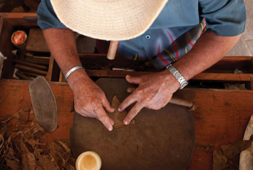 iStock_000015653191-Cigar-Rolling-cropped-2
