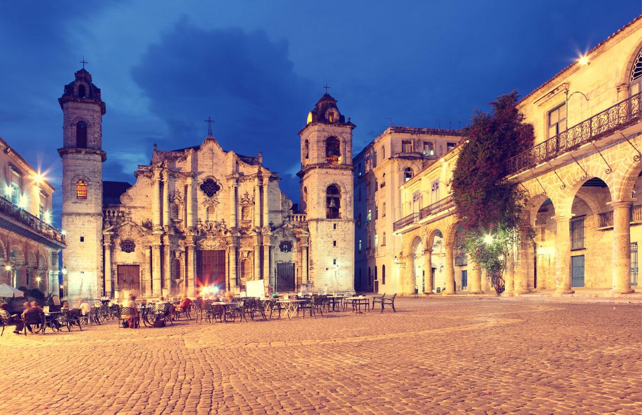 iStock_000015677194Large_plazadela-catedral_havana_RF