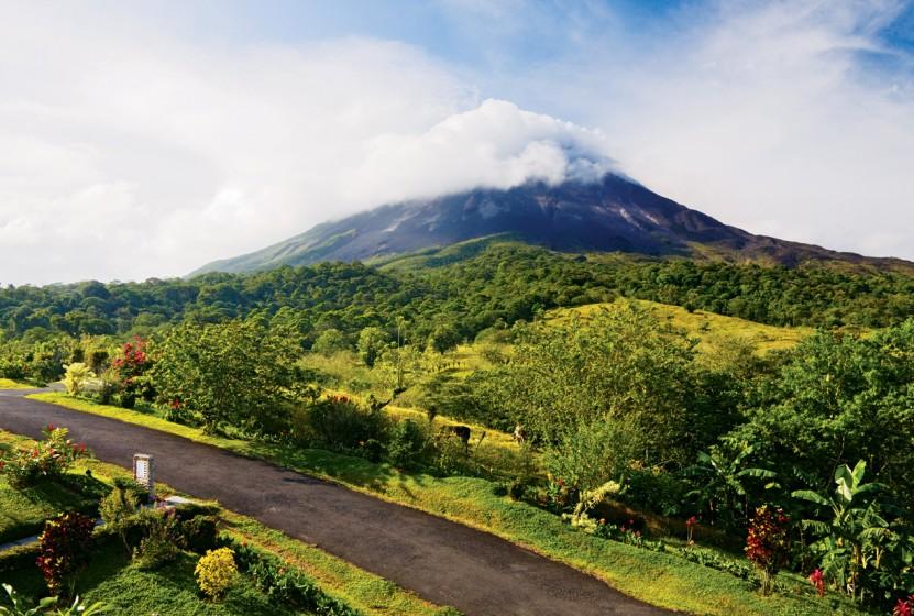 Costa-Rica_Arenal-Volcano_600-02080229_abcrx_RF