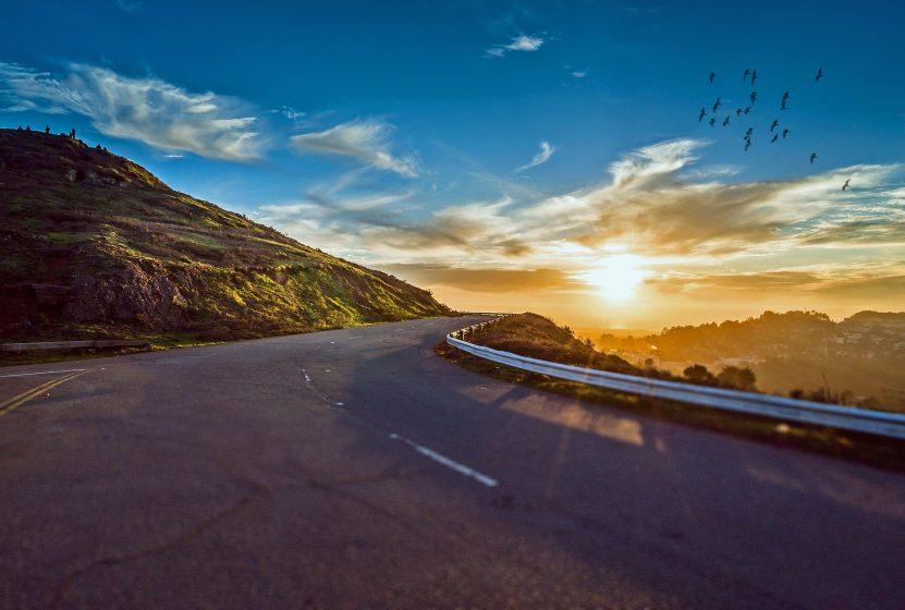 mountain-road-1556177_1920